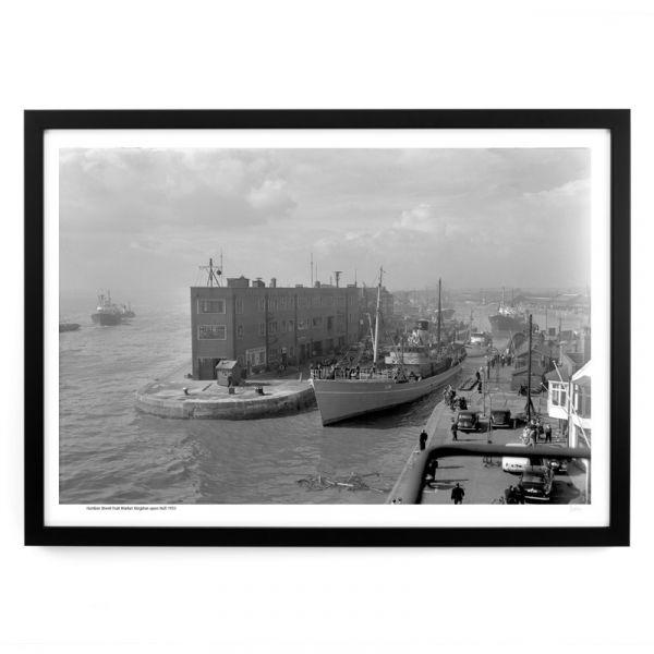 'Man O War' leaving St Andrew's Dock 1955