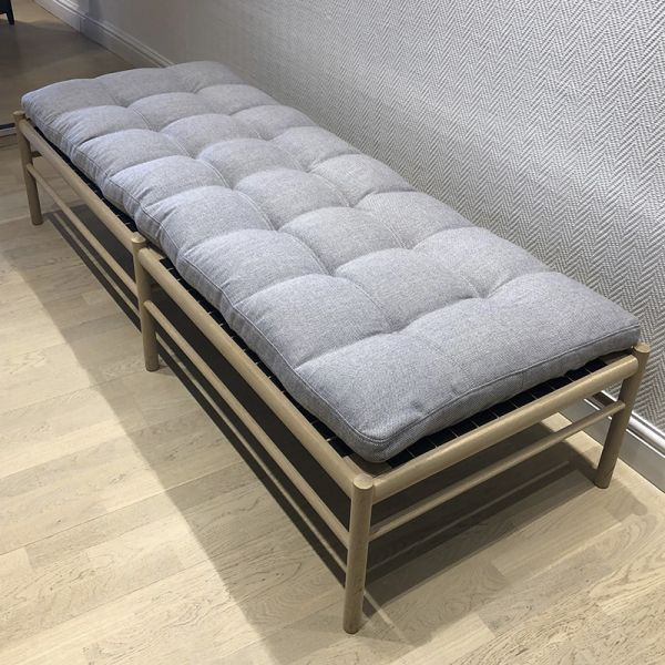 Carl Hansen OW150 Daybed Oak Soap Rewool 108 Fabric Ex-Display Was £2815 Now £1995