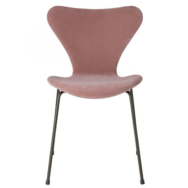 Fritz Hansen 3107 Series 7 Chair Velvet Edition