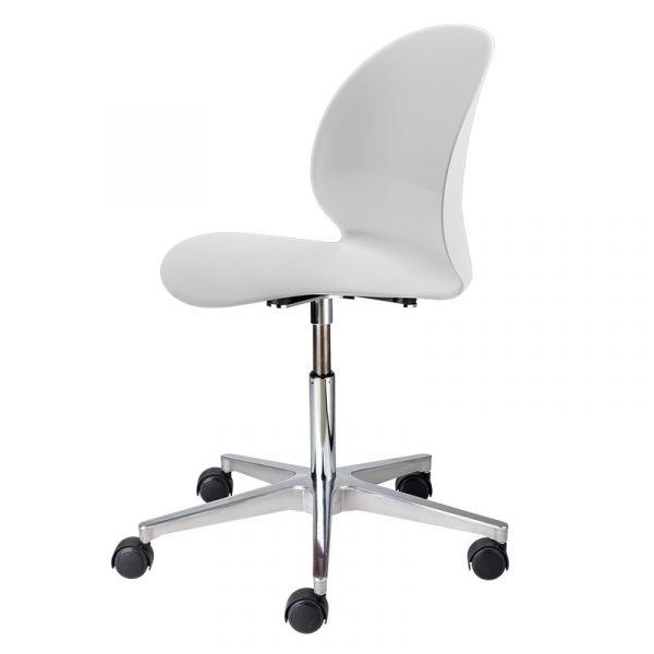 Fritz Hansen N02 Recycle N02-30 Swivel Base Chair