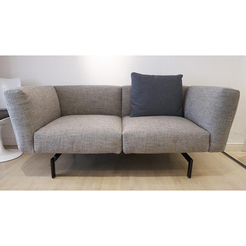 knoll avio 2 seater compact sofa. Black Bedroom Furniture Sets. Home Design Ideas